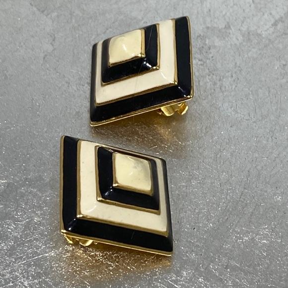 Vintage Joan Rivers Square Black/Cream Earrings
